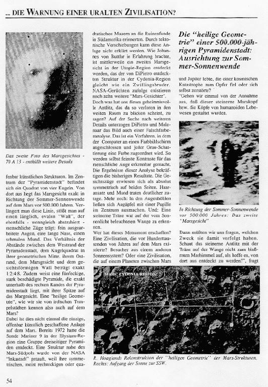 Mars gesicht und pyramiden stadt auf dem mars